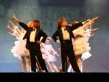 rechts Raphaels Bruder Darian mit Ballett 2