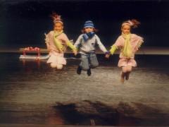 Raphael mit Janine und Linda' :: Spiel im Schnee